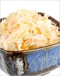 Маринованная капуста с луком и хреном «По-словацки»